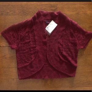 Medium maroon sweater